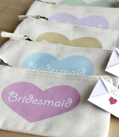 Bridesmaids Heart Zipper Canvas Make-up Bag
