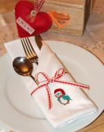 Set Of Embroidered Christmas Napkins - Owl
